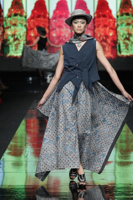 Galeri Batik Jawa at Jakarta Fashion Week